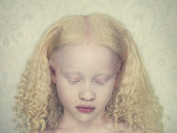 Thifany, fotografia do livro Albinos (Foto: Gustavo Lacerda/Divulgação)