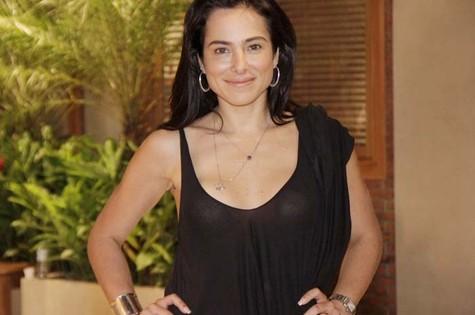 Cássia Linhares (Foto: Divulgação/Record)
