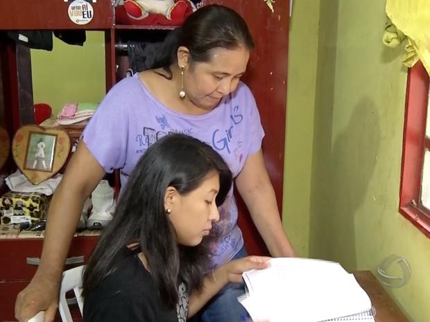 Indígena de MS, Dara Ramires Lemes, passou para medicina em duas universidades federais (Foto: Reprodução/ TV Morena)