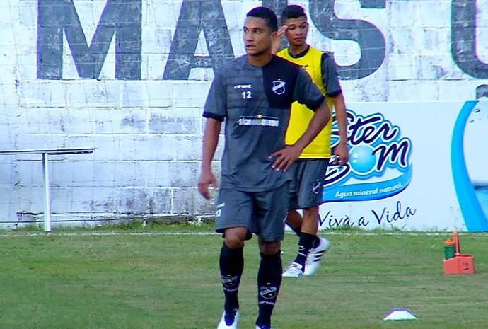 Felipe Guedes - volante do ABC (Foto: Reprodução/Inter TV Cabugi)
