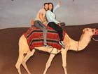 Gracyanne Barbosa e Belo fazem passeio de camelo em Dubai