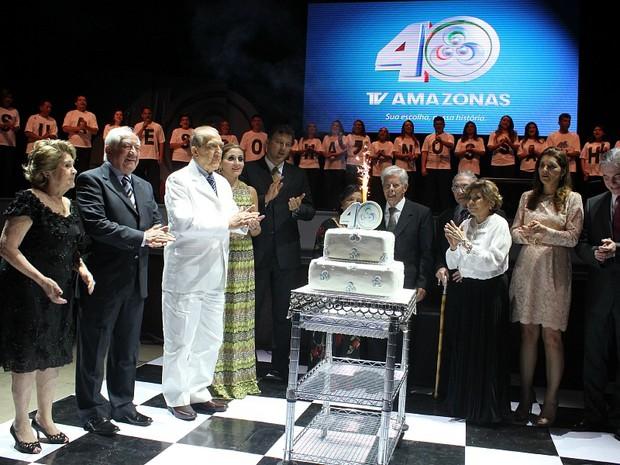 Coral da Rede Amazônica cantou os parabéns do aniversário de 40 anos da TV Amazonas (Foto: Mônica Dias/G1 AM)