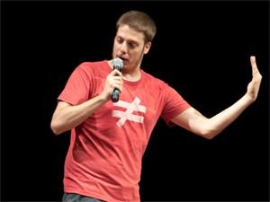 Fábio Porchat faz show de stand up comedy (Foto: Divulgação)