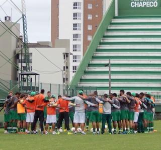 Chapecoense se prepara para enfrentar o Tigre (Foto: Laion Espíndula/GE)