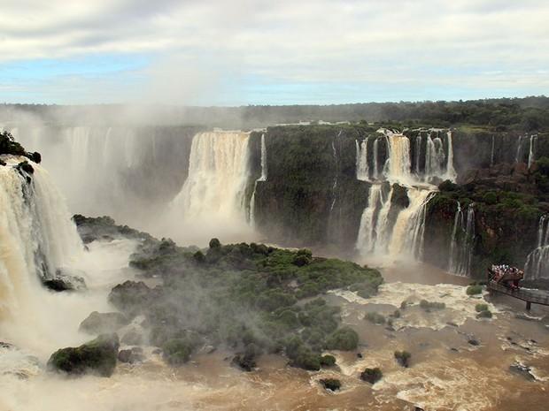 Principal atrativo turístico da região, o Parque Nacional do Iguaçu reúne uma série de passeios que convidam para um contato maior com a natureza (Foto: Cataratas do Iguaçu S.A. / Divulgação)
