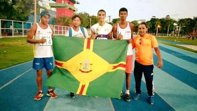 Equipe de atletismo do Flamengo de Arcoverde (Foto: Reprodução / Facebook)