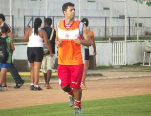 Coutinho, volante do América-RN (Foto: Tiago Menezes)