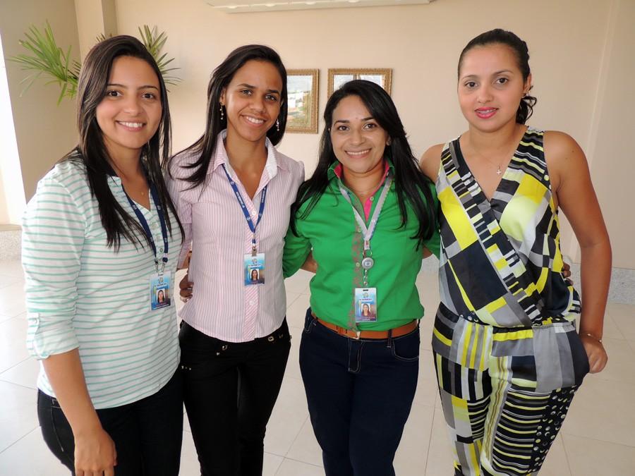 Camilla e amigas de trabalho no lançamento dos portais da TV Grande Rio para o mercado publicitário (Foto: Arquivo Pessoal)