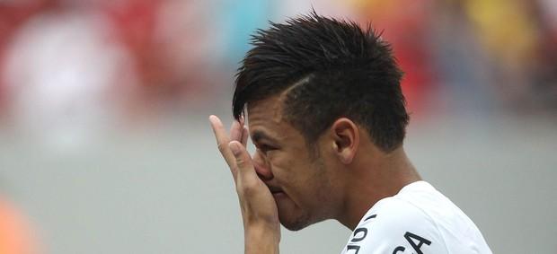 Neymar in tears before final Santos game v Flamengo