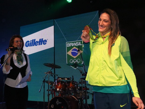 Mayra Aguiar em evento em shopping na Zona Oeste do Rio (Foto: Denilson Santos/ Ag. News)