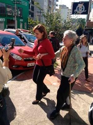 Aposentada participou de reconstituição do crime em abril (Foto: Guilherme Pulita/RBS TV)