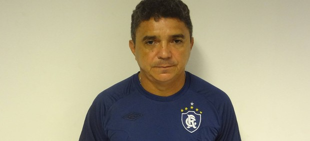 Flávio espera contar com o grupo completo para a temporada 2013 até o próximo dia 15 (Foto: Gustavo Pêna/GLOBOESPORTE.COM)