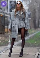 Look do dia: Anna Dello Russo 'causa' com modelito curtíssimo