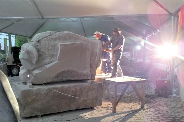 Teledomingo mostra escultores que trabalham com pedras basálticas da serra gaúcha (Foto: Reprodução/RBS TV)