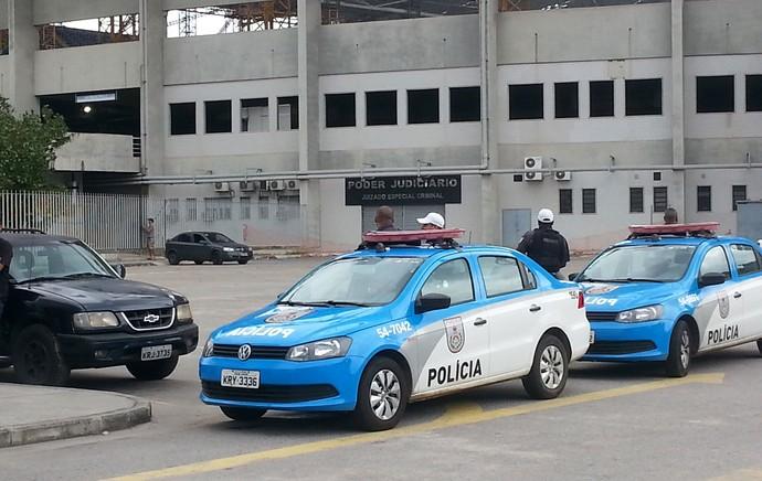 Policia treino Botafogo (Foto: Fred Huber)