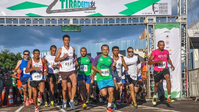 Corrida de Tiradentes reuniu mil atletas em Palmas (Foto: Divulgação/Prefeitura de Palmas)