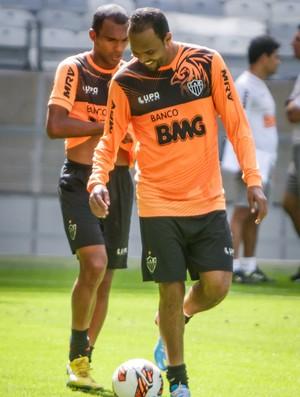 Richarlyson; Alecsandro; Atlético-MG; treino; Mineirão (Foto: Bruno Cantini / Site Oficial do Atlético-MG)