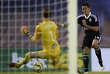 Gols de Chicharito não sensibilizam Van Gaal, e o Real cogita comprá-lo