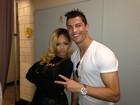 Após show, Cristiano Ronaldo posa com Rihanna nos bastidores