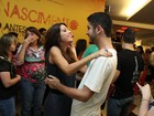 Separados há 3 meses, Pérola Faria e Miguel Rômulo vão à mesma peça