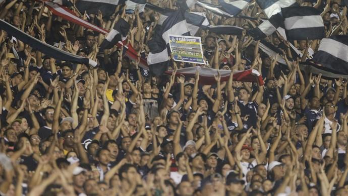 Torcida do Remo deve comparecer em grande número diante do Confiança (Foto: Akira Onuma/O Liberal)