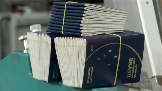 Governo tenta R$ 102 milhões para retomar emissão de passaportes