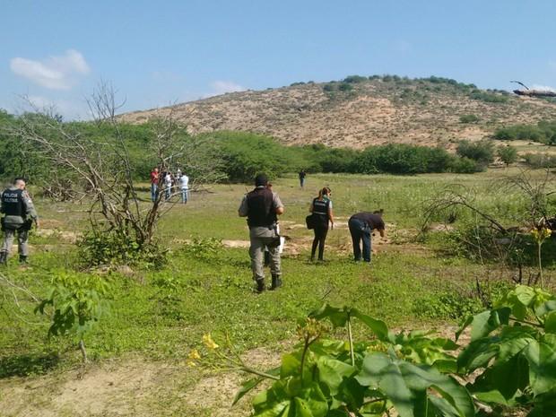 Corpo foi encontrado em estrada na cidade de Patos, na Zona Rural de Patos. (Foto: Rafaela Gomes / TV Paraíba)