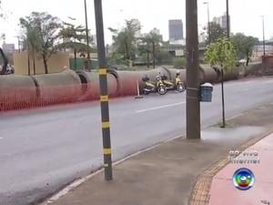 Avenida Nuno de Assis está interditada para obras (Foto: Reprodução/TV TEM)