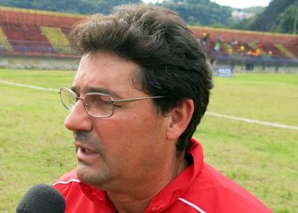 Portuguesa Santista técnico Lelo (Foto: Bruno Gutierrez)