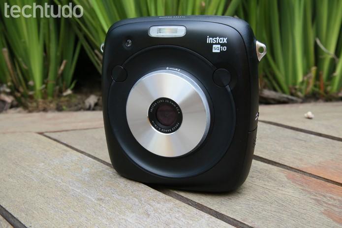 Instax SQ10 é a primeira câmera hibrida, unindo a fotografia analógia à digital (Foto: João Gabriel Balbi/TechTudo)