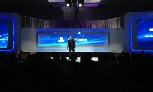 Mark Stanley, vice-presidente de PlayStation para a América Latina anuncia jogos de PlayStation 4 traduzidos para o português (Foto: Gustavo Petró/G1)