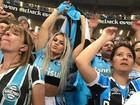 Depois de invadir campo, Miss Bumbum festeja vitória do Grêmio