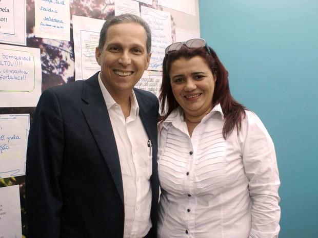 Luciano Paiva e a vice-prefeita Viviane, em abril de 2015 (Foto: Divulgação/ Prefeitura Municipal de Itapemirim)