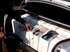 Carro é flagrado com quase 2,5 mil óculos contrabandeados do Paraguai