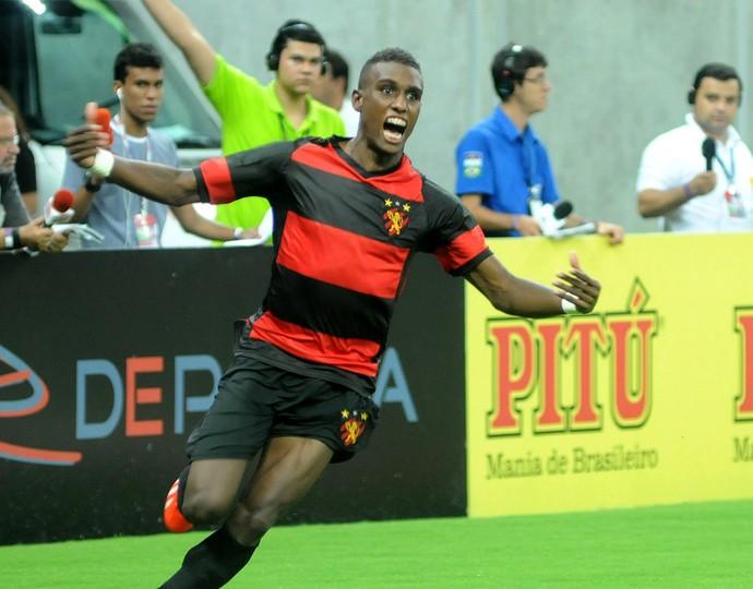érico júnior sport (Foto: Antônio Carneiro / Pernambuco Press)
