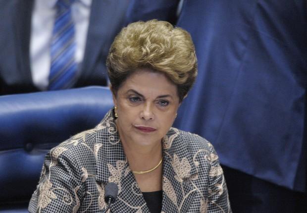 A presidente afastada Dilma Rousseff discursa diante dos senadores no julgamento do impeachment (Foto: Pedro França/Agência Senado)