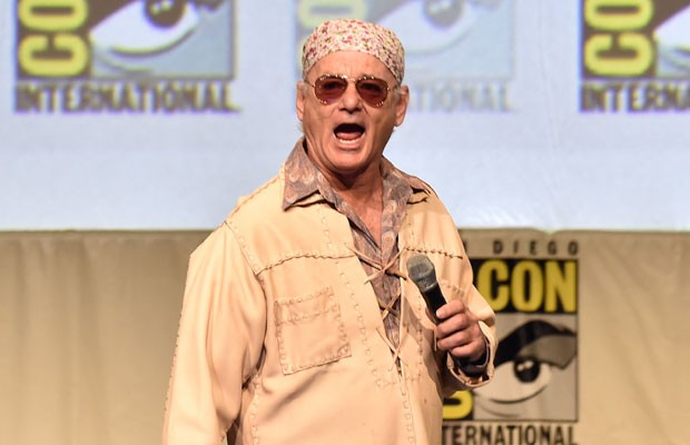 Bill Murray se apresenta na Comic Con como seu personagem no filme 'Rock the kasbah', Richie Lantz (Foto: Kevin Winter/Getty Images/AFP)