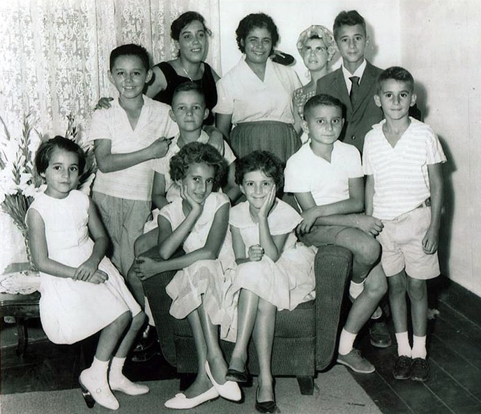 Foto dos primos Gama na casa de vovó Laura e vovô João Paulo (Foto:  Enviada por Ana Regina de Oliveira Gama, de Taubaté (SP))