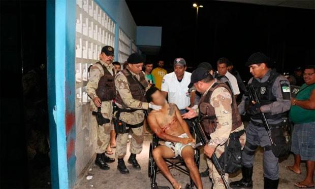 Presos durante a operação em Serra do Mel foram conduzidos à delegacia (Foto: Marcelino Neto)