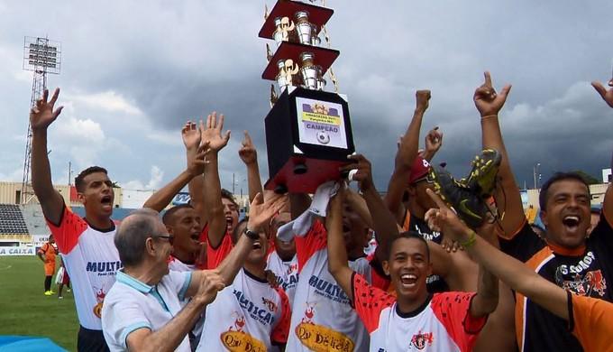 Registanea conquistou o bicampeonato do Campeonato de Futebol Amador de Varginha (MG) (Foto: Reprodução EPTV)