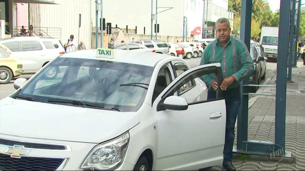 Presidente do Sindicato dos Taxistas de Poços de Caldas (MG) garante que serviço é ilegal (Foto: Reprodução EPTV/Michel Diogo)