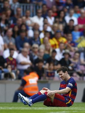 Lionel MEssi Barcelona contundido (Foto: Agência AP)