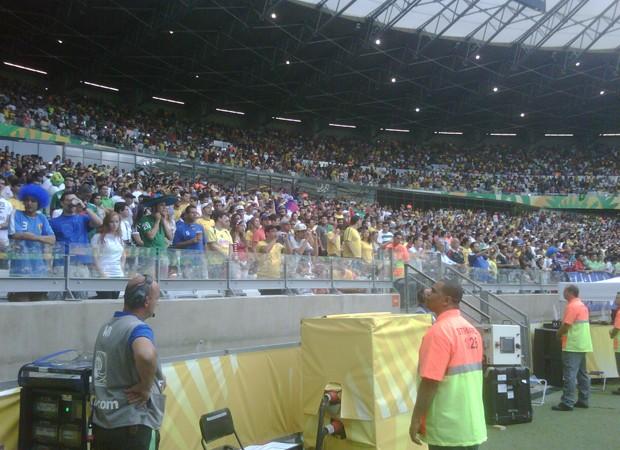 Stewards, vigilantes privados, são responsáveis pela segurança da torcida nos estádios durante a Copa (Foto: Grupo GP/Divulgação)