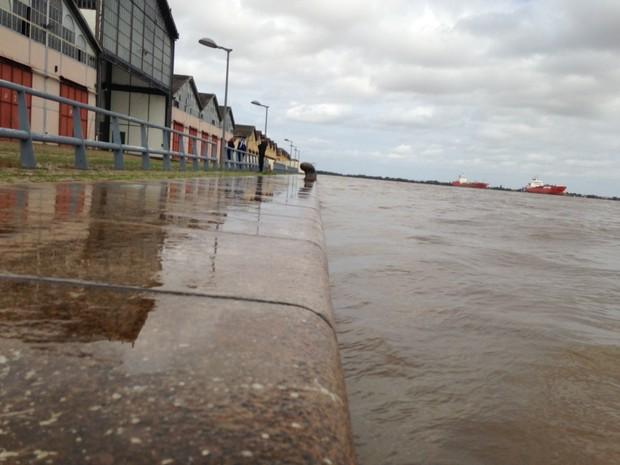 cais mauá porto alegre rs chuva nível guaíba (Foto: Josmar Leite/RBS TV)