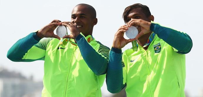 Erlon De Souza Silva e Isaquias Queiroz canoagem (Foto: Getty Images)