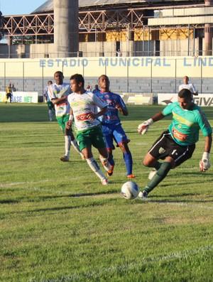 Enxuga Rato e Picos pela primeira rodada da Copa Piauí (Foto: Náyra Macêdo/GLOBOESPORTE.COM)