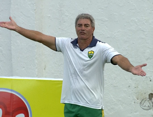 Ary Marques treinador do Cuiabá (Foto: Reprodução/TVCA)