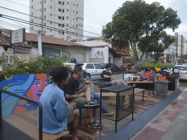 Parklet foi inaugurado em Vila Velha, no Espírito Santo (Foto: Guilherme Ferrari/ A Gazeta)