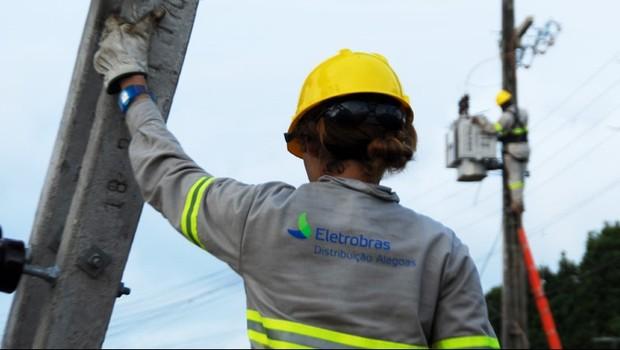 Funcionária da Eletrobras em Alagoas (Foto: Divulgação)