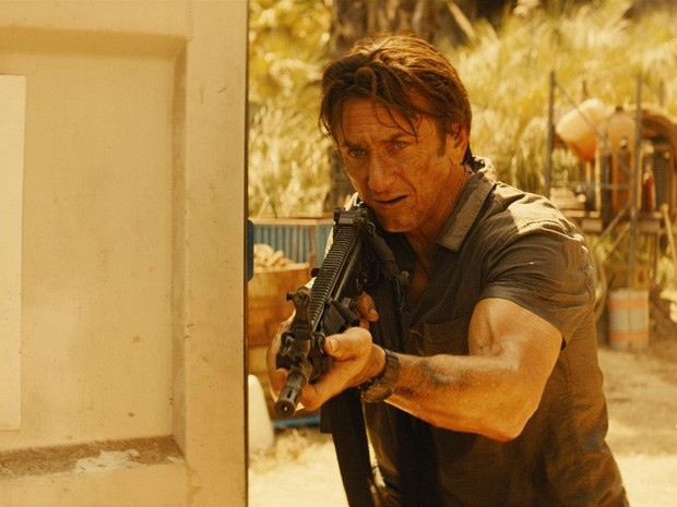 Sean Penn em 'O franco-atirador' (Foto: Divulgação)